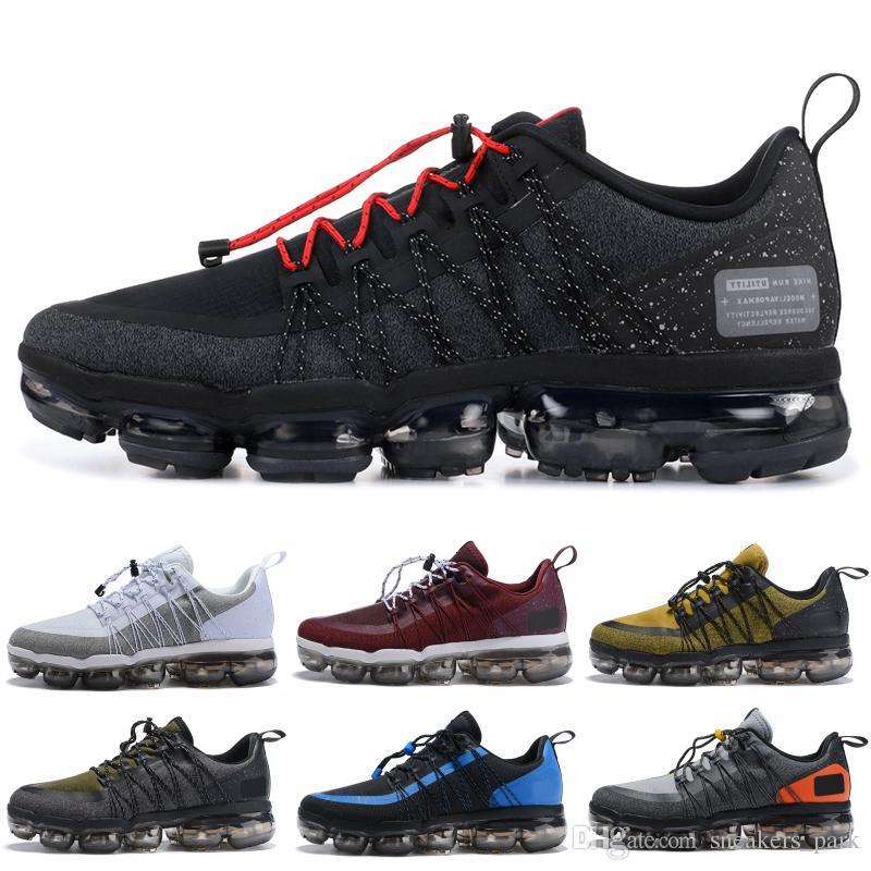 competitive price 39bb4 60ded Compre 2019 Run Utility Men Running Shoes Mejor Calidad Negro Antracita  Blanco Reflejo Plata Zapatos De Descuento Sport Sneakers Tamaño 40 45 A   63.51 Del ...