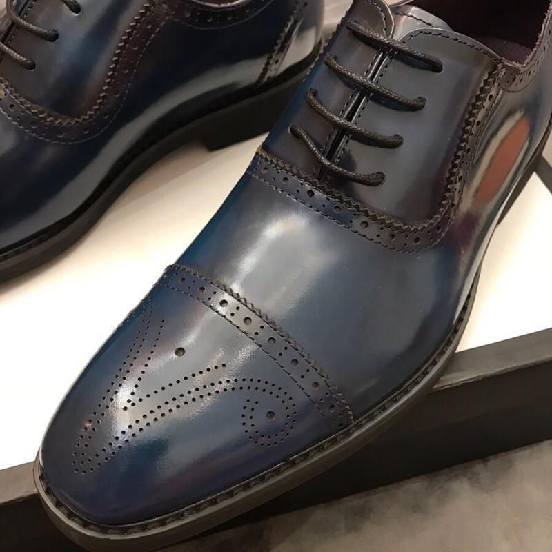 304c4213 Compre 2018 Hombres Zapatos De Vestir De Cocodrilo Patrón Elegante Para Hombre  Zapatos Formales De Cuero Clásico Diseñador Traje Zapatos Para El Banquete  De ...