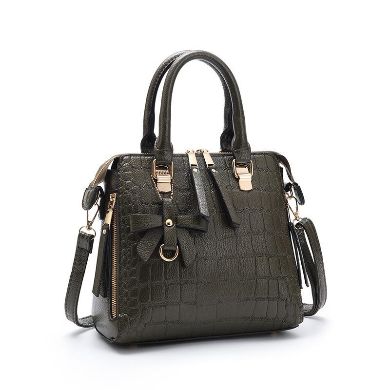 1Crocodile Grain Woman Package Messenger Leisure Time Woman Package Most Tide Style