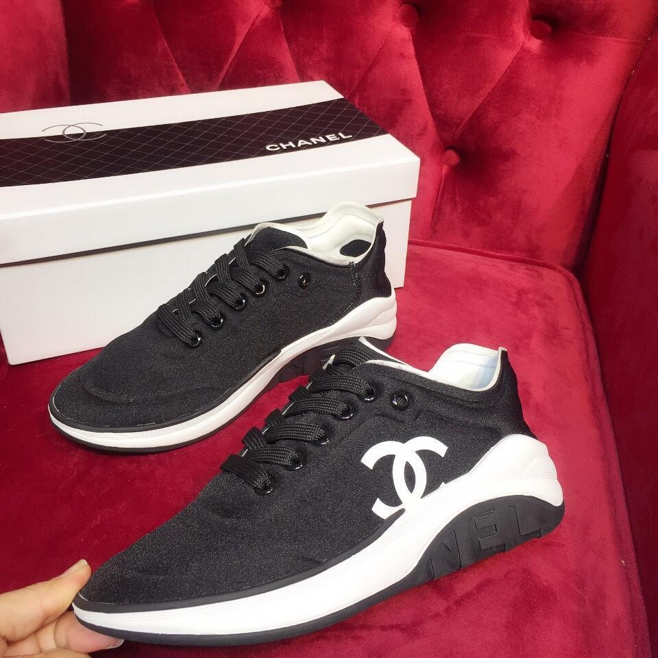 6a5f9b8e37d354 Großhandel Französisch Klassische Schwarze Damen Turnschuhe Atmungsaktive  Damen Flache Schuhe Trend Mode Damen Laufschuhe Original Box Rechnung Von  ...