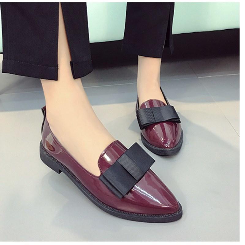 9864bf62c Compre Designer De Sapatos De Vestido Shuangxi.Jsd 2019 Designer De Verão  Mulheres De Luxo De Luxo Selvagem De Salto Baixo Apontado Boca Rasa De  Couro ...