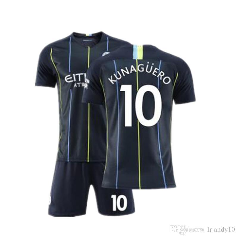 Compre MAHREZ 18 19 Camisetas De Fútbol Del Manchester City 2018 2019 De  Bruyne KUN AGUERO Camiseta De Fútbol BERNARDO Camiseta SILVA Maillot Con  Calcetín A ... c909142260b