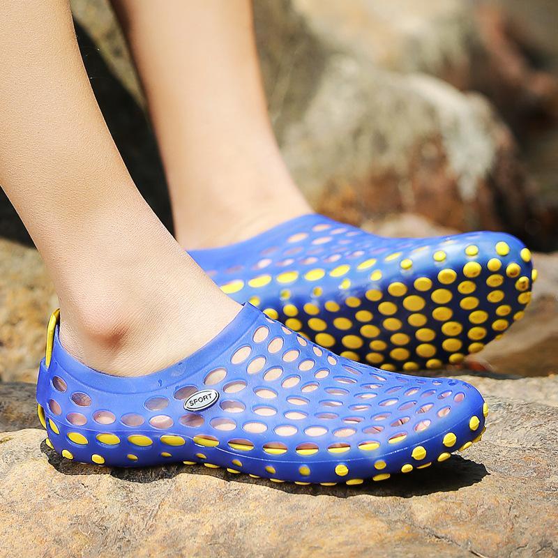 3cd1356fd734 Men Sandals 2019 Summer Hollow Beach Slippers Lightweight Outdoor Upstream  Male Walking Water Casual Shoes Q 527 Shoe Shop Cute Shoes From Starflash,  ...
