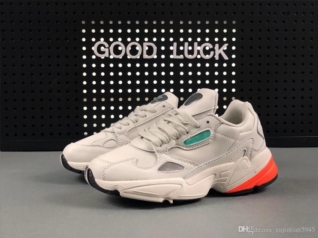 new arrival b26f6 d7b11 Compre ADIDAS FALCON W Running Shoes 2019 NUEVOS Zapatos De Hombre Y Mujer  FALCON W De Alta Calidad Y Bajo Precio, Zapatos De Moda Casual US 5 10 A   37.57 ...