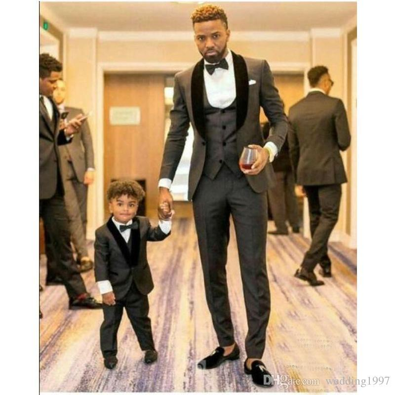 Three Piece Gray Men Suits for Wedding Party 2019 Slim Fit Black Velvet Shawl Lapel Tailored Made Groom Tuxedos