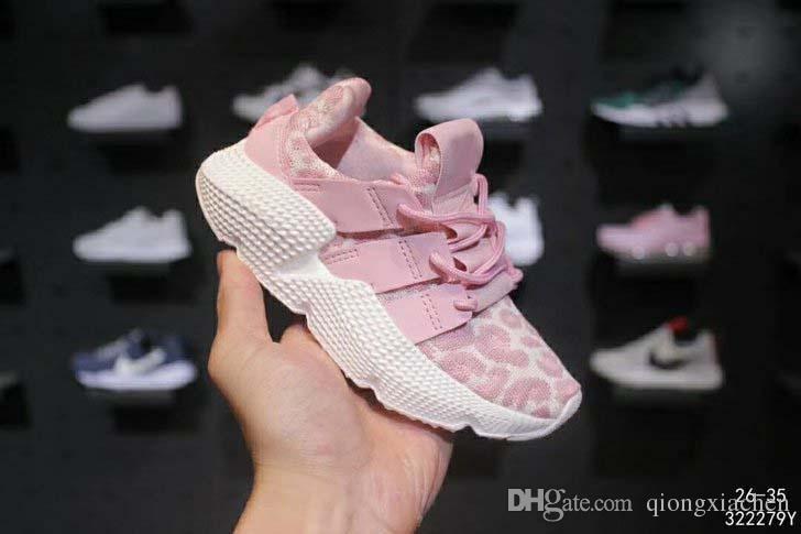 a538571861fd4 Acheter 2019 Pas Cher Chaussures Enfants Pour Bébés Chaussures De Course  Chaussures De Course Boost Enfants Chaussures De Sport Garçons Filles  Sneakers Noir ...
