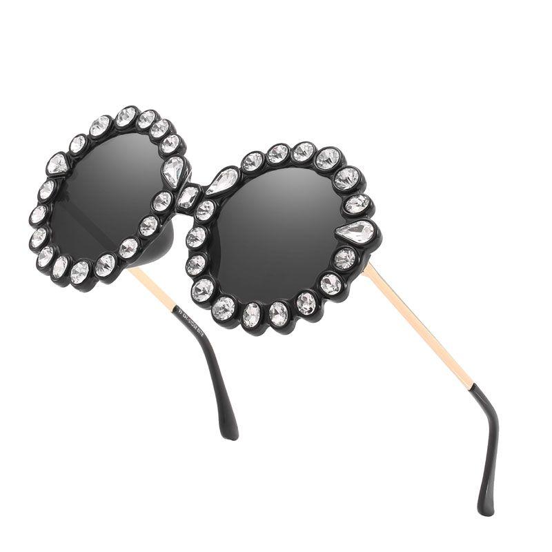 340e0fa875 Compre Nuevo Cristal Diamante Marco Redondo Damas Gafas De Sol Mujer ...