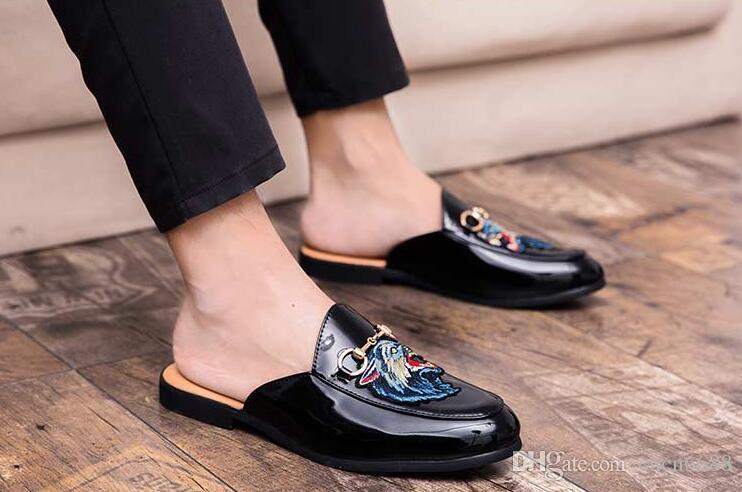 3fa80e453e7 Designer Men Slippers Luxury Fashion Tiger Head Embroidered Loafers Shoes  Metal Chain Men Casual Mules Flats Top Quality Moccasins Wide Calf Boots  Shoes For ...