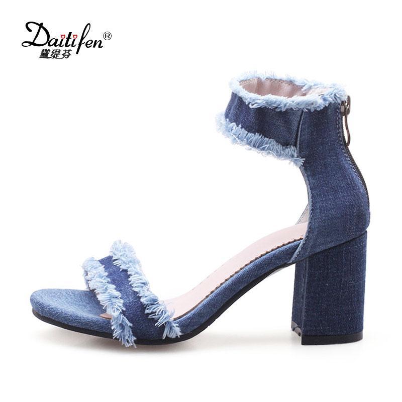 cbcd7ae451f6 Acheter Vente En Gros Chaussures D'été Cheville Sangles Sandales Pour Femme  Talons Hauts Jean Bleu Sandales En Denim Gladiateur Mode Dames Chaussures  De ...