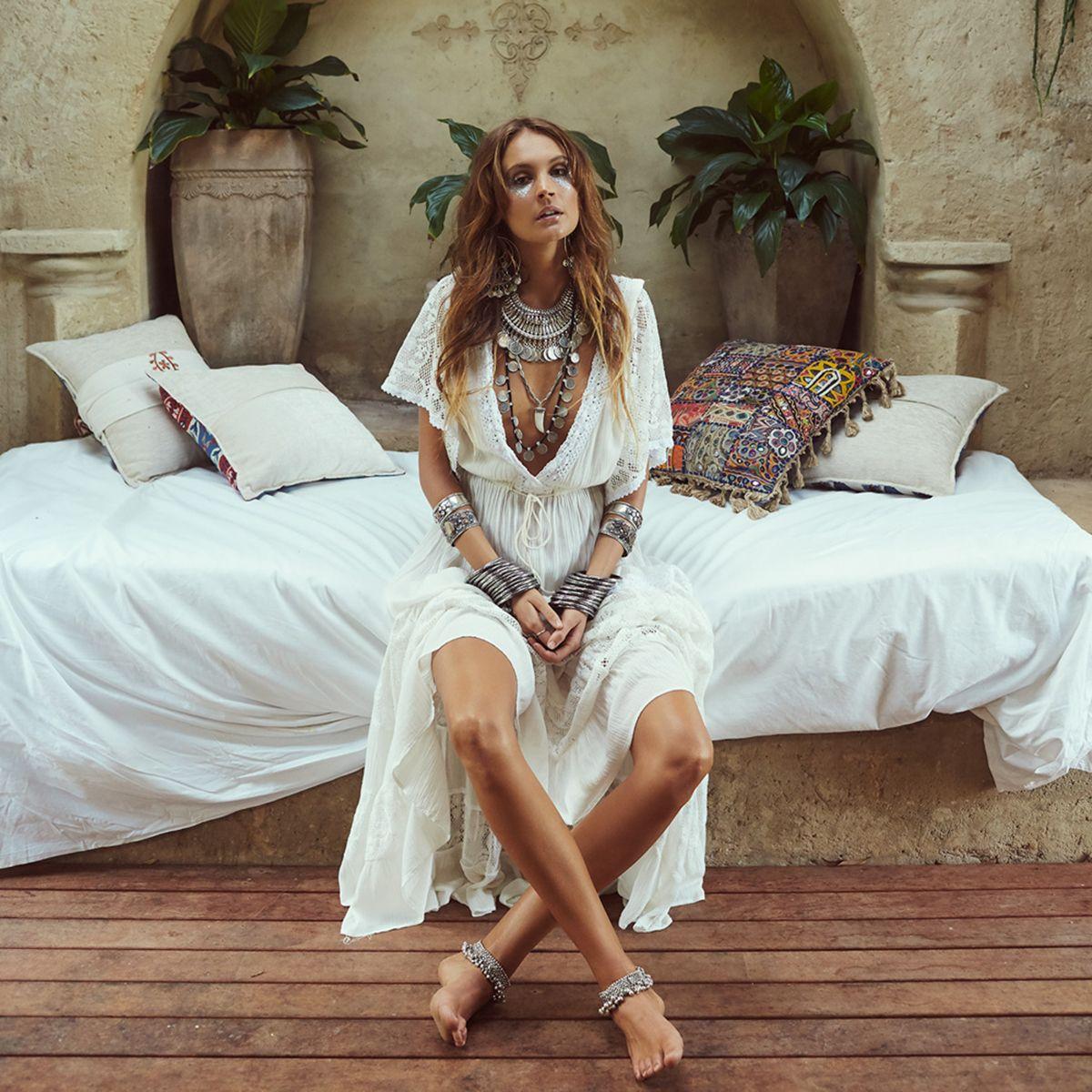 091f7874e6e Gypsy Elegant Lace Maxi Dress Women 2018 Summer Autumn Patchwork Deep V Neck  Sexy Dresses Ladies Boho Hippie Beach Long Dress Long Womens Dresses Lace  ...