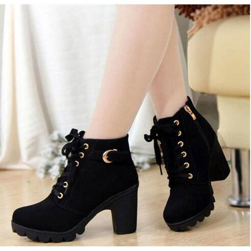 5d07df9c54 Compre Bombas Para Mujer 2019 Moda Tacones Altos Bota Zapatos De Cremallera  De Viento Británico Plataforma Inferior Gruesa Zapatos De Mujer Envío De La  Gota ...
