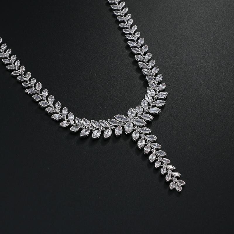 EMMAYA Elegante Hoja CZ Conjuntos de Joyería de Boda para Novia Pendientes de Collar de Cristal Claro Conjuntos 2017 Nueva Joyería de dama de honor
