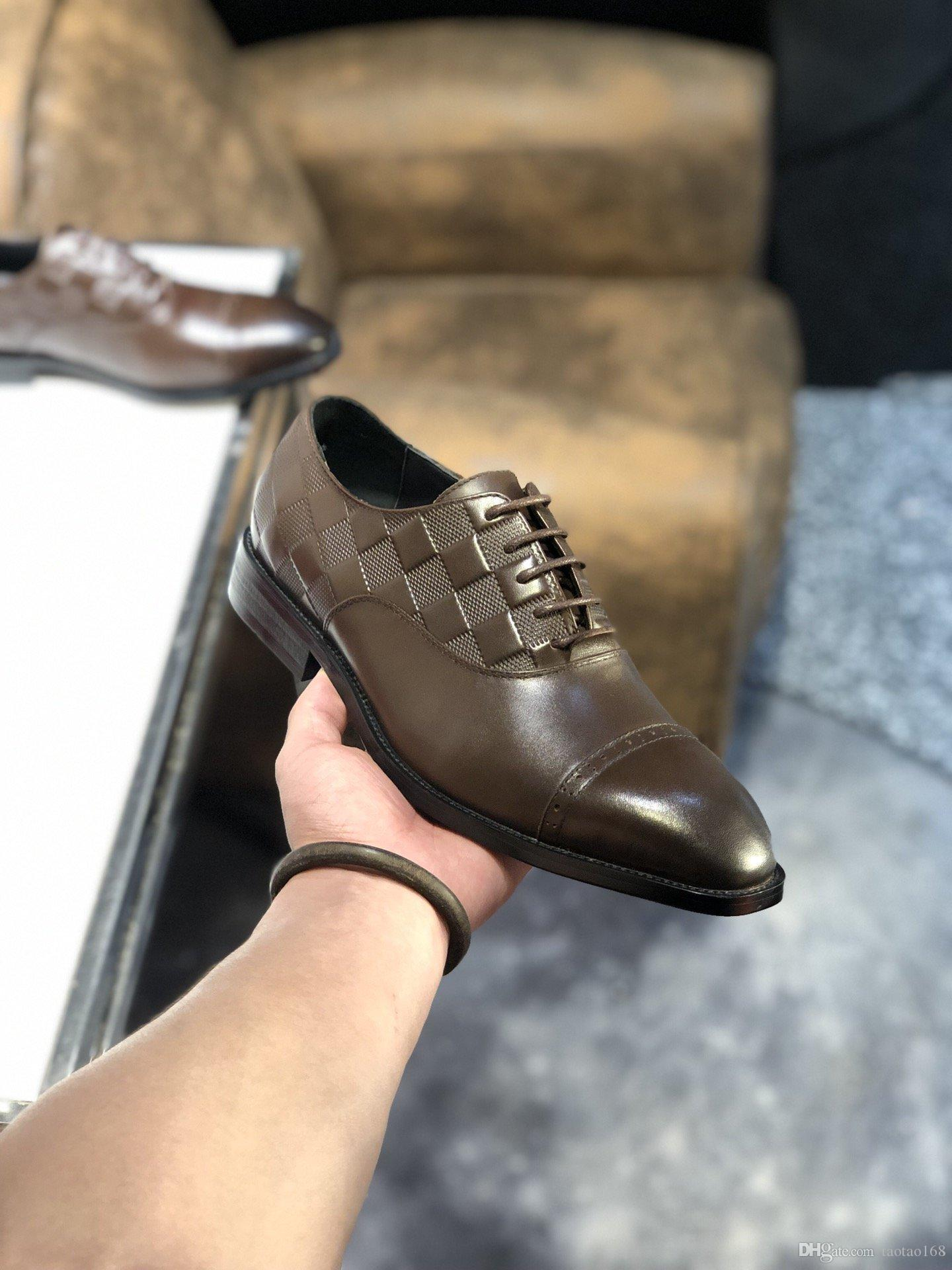 Designer fashion luxury new men shoes Genuine leather Flat metal button Peas shoes classic casual shoes With original box