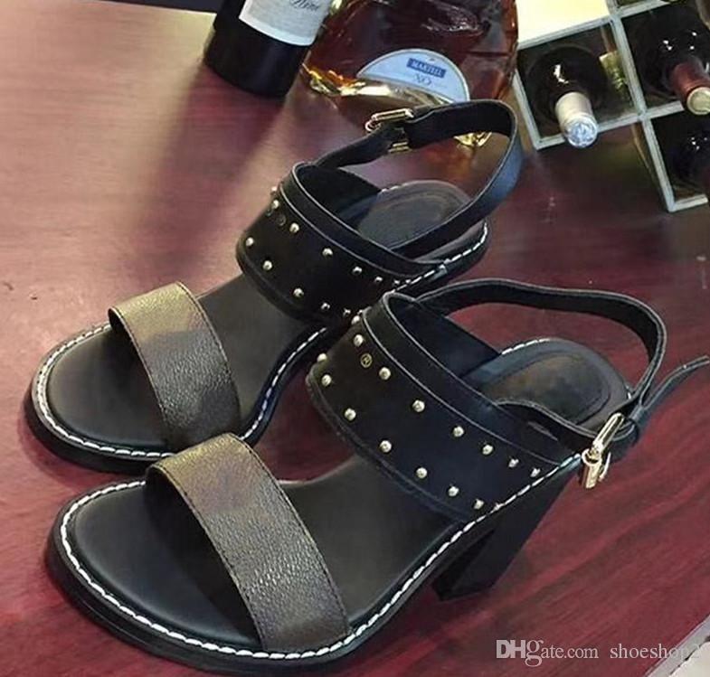 e2d40ab2 Compre Zapatos De Tacón Alto De Las Mujeres Vestido De Fiesta Remaches De  Moda Chicas Zapatos De Punta Sexy Hebilla Plataforma Bombas Zapatos De Boda  Negro ...