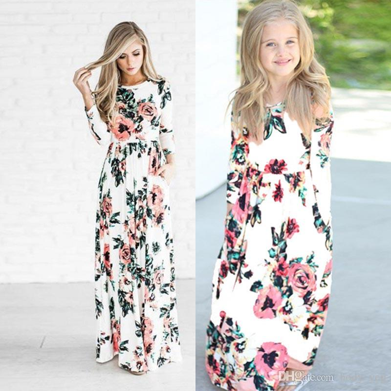 46cb4e6fad79f Baby Girls Women Floral Dress Family Matching Outfits 2019 Summer Flare  Sleeve Flower Print Dress for Mommy and Me Long Dress