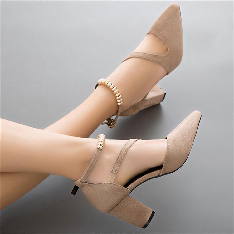 Acquista Designer Dress Shoes Moda Donna Pompe Sexy Donna Sandali Tacchi  Alti Le Donne Di Qualità In Metallo Perla Poned Toe Pompe Di Partito Di  Nozze A ... 6bfd3ced15d