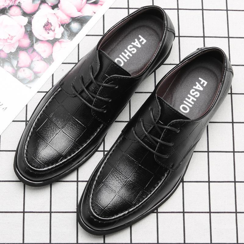 b7c76c4270bf50 Großhandel Frühling Neue Herrenschuhe Anzug Business Leder Schuhe Checker  Low Help Herren Freizeit Single Von Hotbuybuy