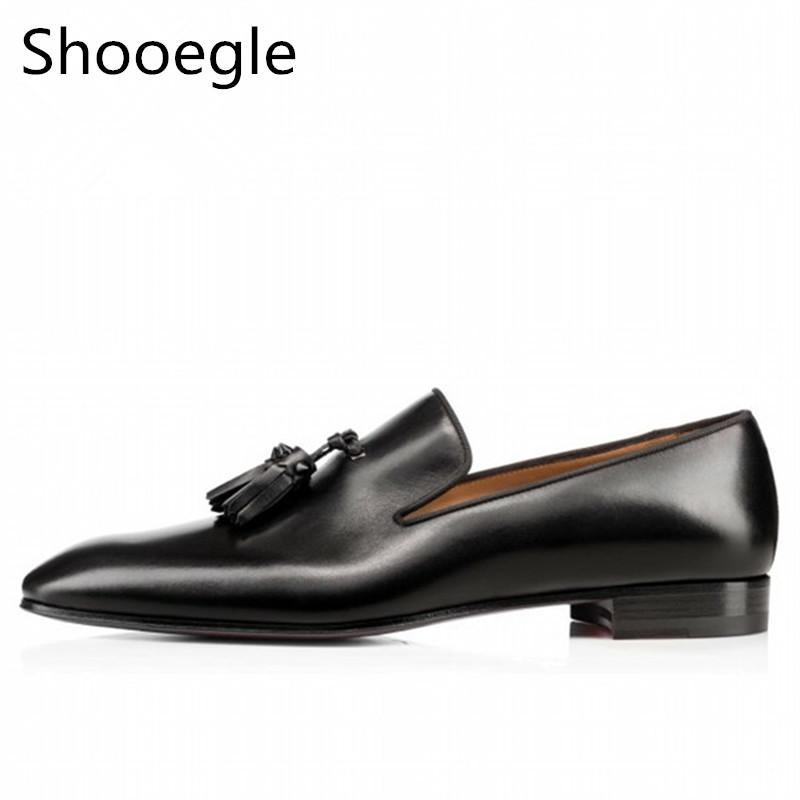 a964345da8 Compre Zapatos De Vestir Para Hombre Moda De La Calle Mocasines Con Borlas  Resbalón Negro En Los Zapatos Formales Fiesta Pisos De Bodas Calzado  Informal A ...