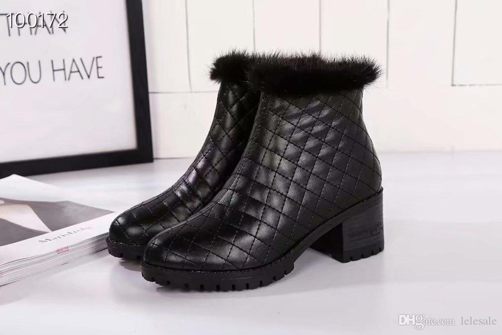 97eb5115d Compre Novo 2019 Mulheres Xadrez Preto De Couro Genuíno 5 Cm De Salto Baixo Ankle  Boots, Senhoras De Grife De Inverno Da Pele Quente Vestido Sapatos 35 39 ...