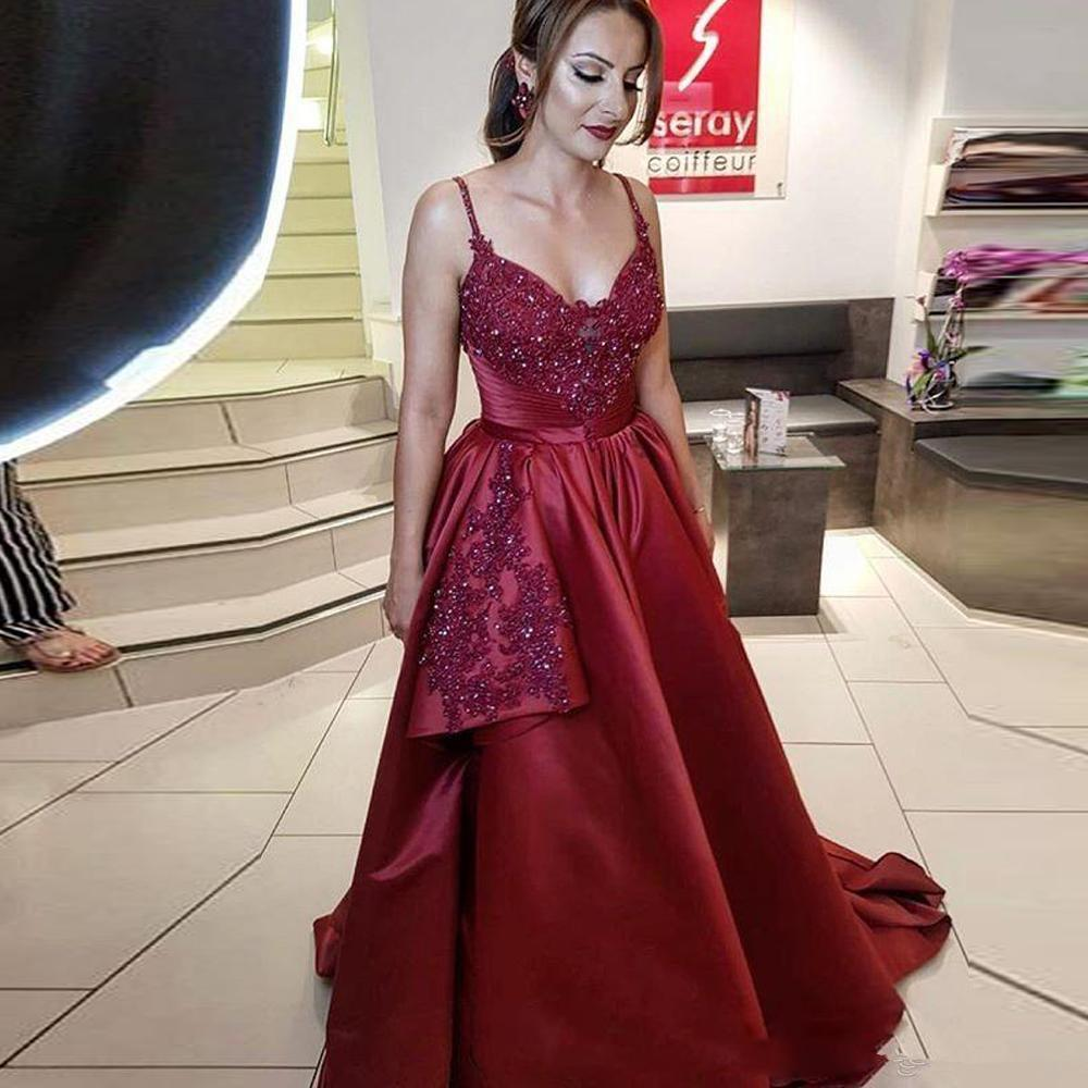 Elegant Burgundy A Line Long Prom Dresses Spaghetti Strap Lace Appliques Beaded Evening Gown Ruffles Satin Party Dress