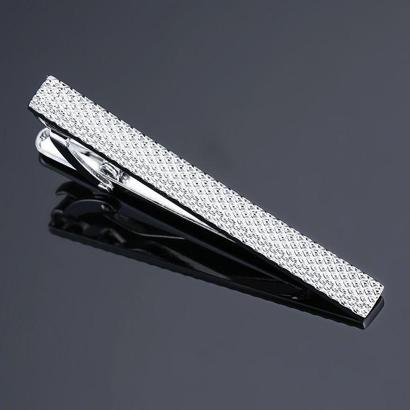 DY Novo e de alta qualidade gravura a laser gravata clipe moda estilo de prata de ouro e negros dos homens de negócios gravata pin Entrega Gratuita
