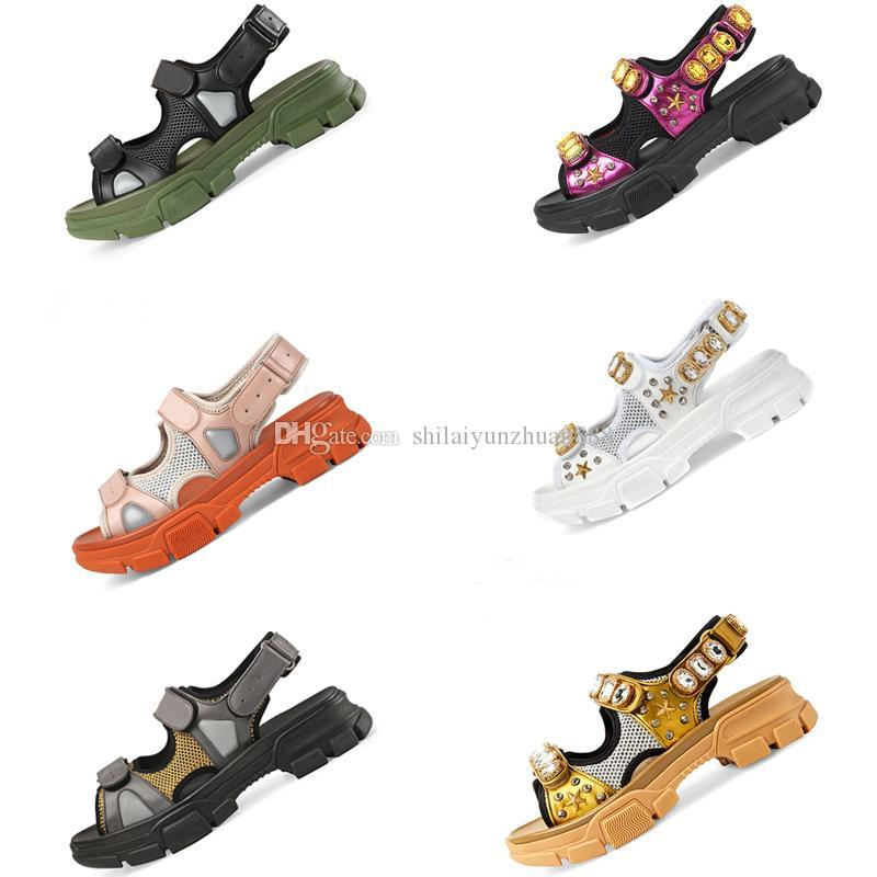 2019 Designer riveted Sports sandals brand male and women's leisure sandals fashion Leather outdoor beach Man Women shoes