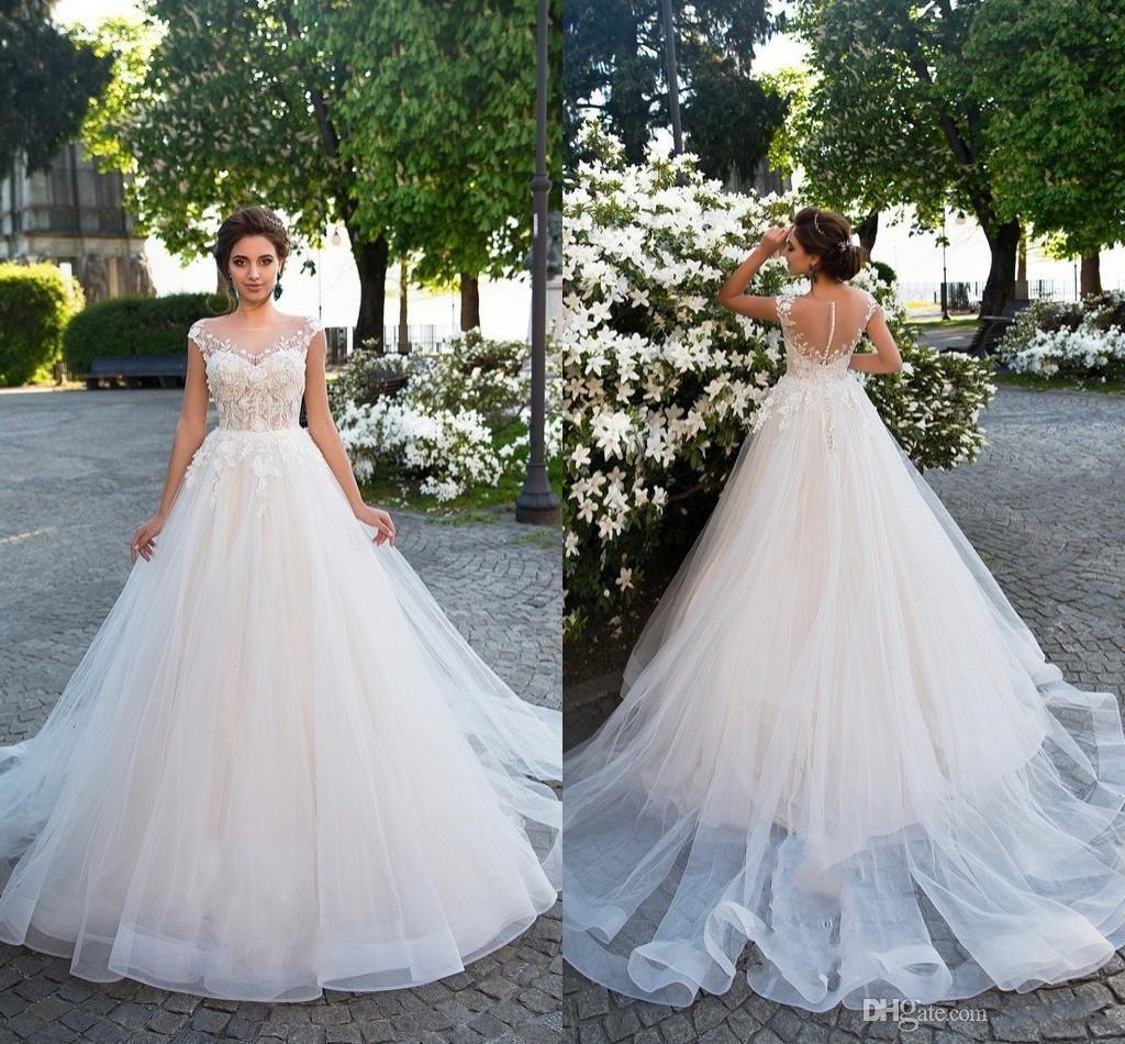 a8165171d34e Nueva llegada 2018 Corte de tren Tulle Una línea Vestidos de novia Gorro  Mangas Apliques Encaje Botón Volver Vestidos de boda largos
