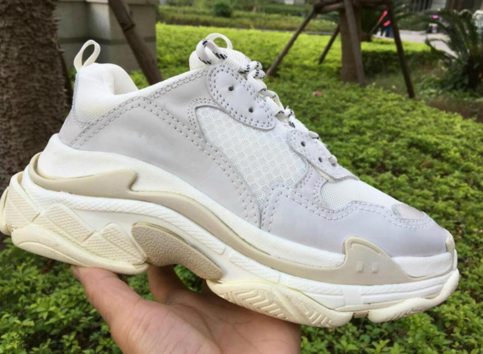 2019 NEW Designer Daddy comTriple S womens umps munro Triple-S Designer cute Women fashion casual shoes Old Dad shoes track shoes size 35-45