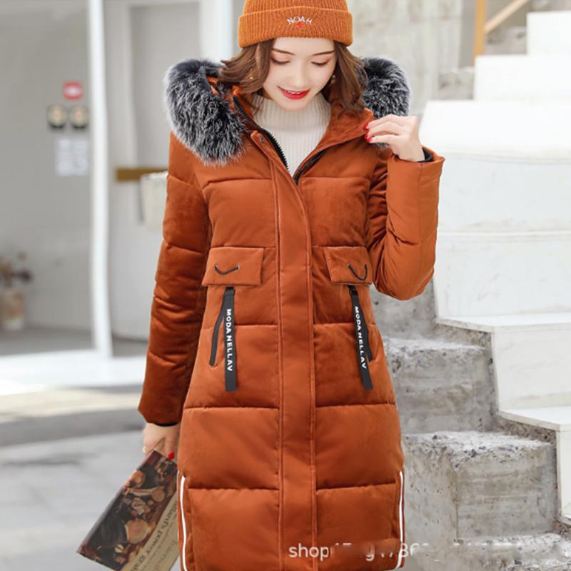 8365d7c49c donna Blu scuro / rosso / caramello Collo in pelliccia naturale con  cappuccio Piumino in piuma bianca Piumino in velluto dorato Cappotto lungo  Slim ...