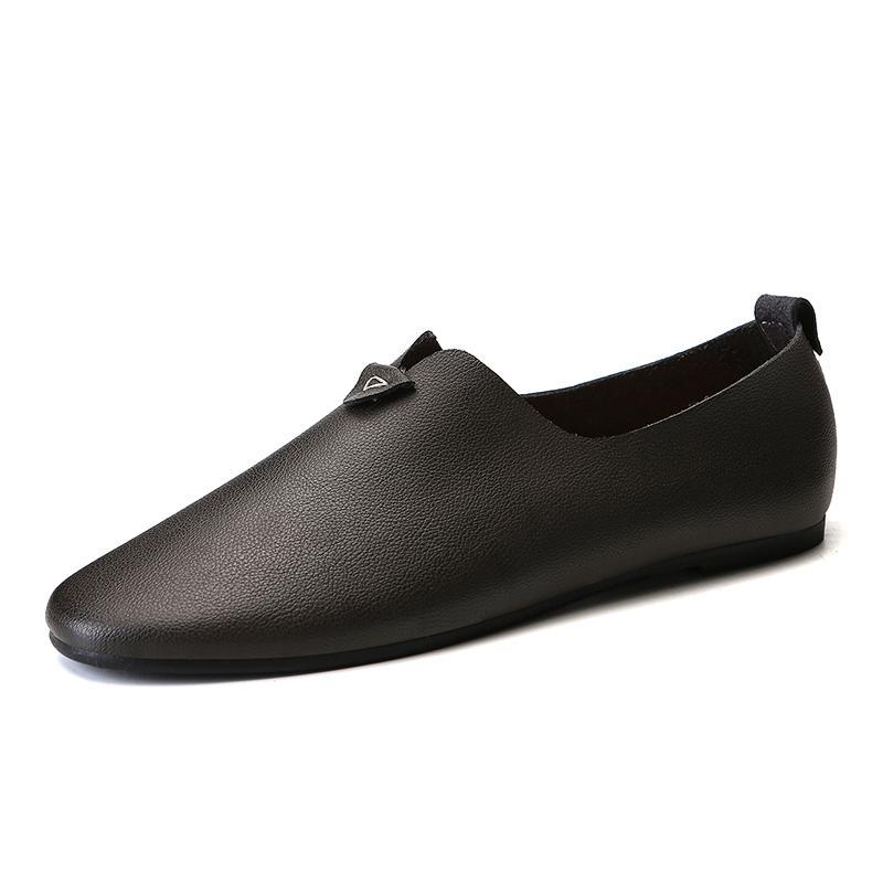 0407b1327f Compre Apartamentos De Couro De Divisão Leve 2018 Homens Novos Sapatos  Casuais Mocassim Masculino De Alta Qualidade Sapatos De Condução Cinzentos  Marrons De ...