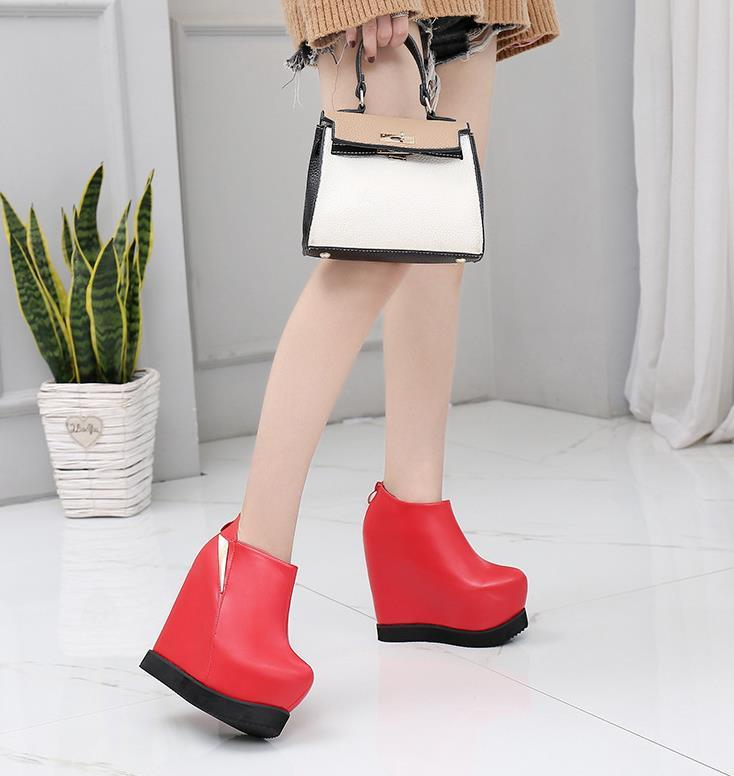 6bbc09f75ee 2019 New High Rise Bare Boots Simple Thick Bottom Wedge With Velvet ...
