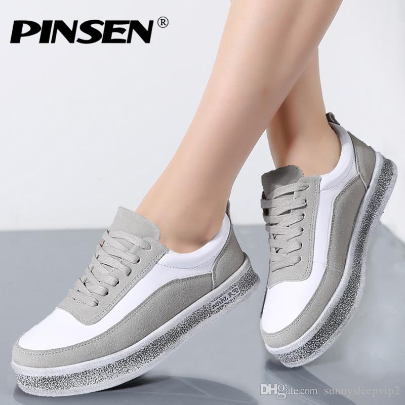 Compre PINSEN 2019 Otoño Zapatillas De Deporte De Las Mujeres Zapatos  Casuales Con Cordones De Cuero De Gamuza Zapatos De Los Planos De La Mujer  Oxfords ... 3162f22ef0d8