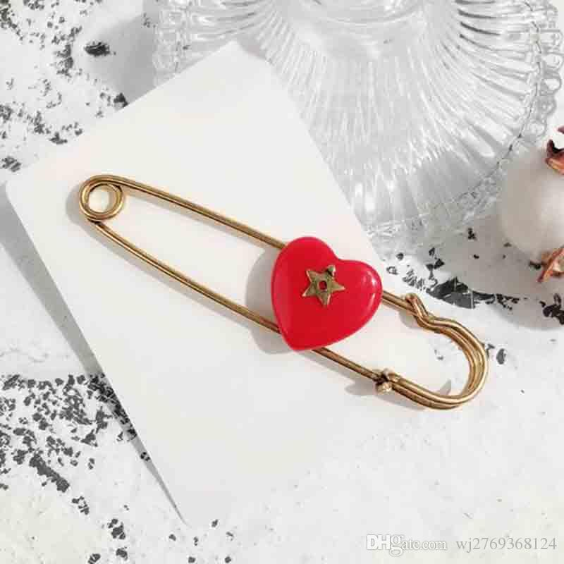 Retro Fashion Red Enamel Heart Shape Brooch Pins Bronze Color Scarf Clips  Brooches For Women Girl Suit Dress Accessories Jewelry