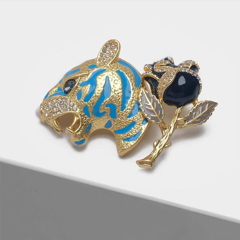 wholesale Enamel leopard head black rose design fashion brooch