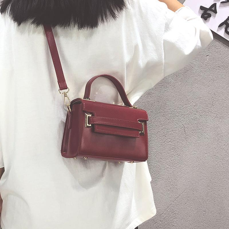 Belle2019 Donna Satchel Manruixian Tide Concise Small Fang Baobao Mano in stile occidentale Polizza di carico