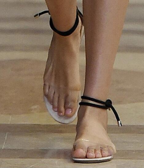69f45c58cb2 2019 Summer Fashion Women Clear Flats Open Toe Ankle Strap PVC Shoes  Transparent Flat Heels Plastic Sandals Eu size 34-39