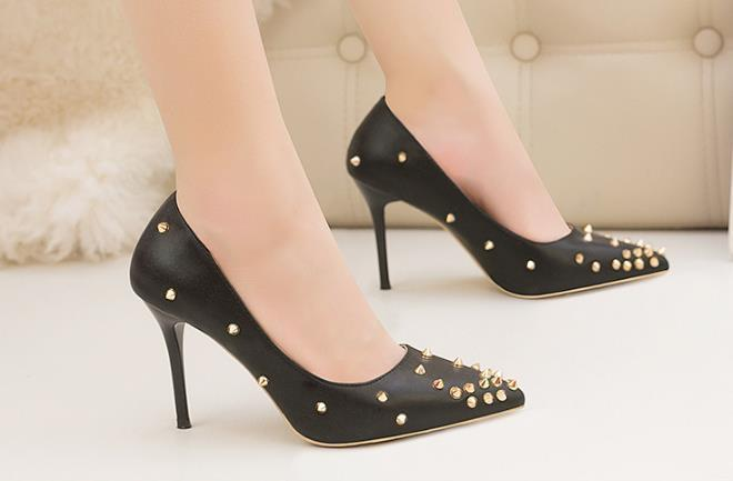 Lucky2019 Pop Decent Ladies Party Dress Hot Heels Sexy Pointed Toe Rivets Shallow Leather Wedding Office Lady Shoes Black White
