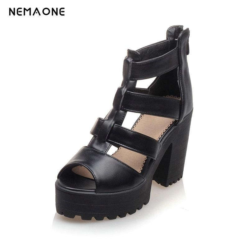 51810f7f6 Compre NEMAONE Tamanho Grande 34 43 Mulheres Sandálias Sapatos Peep Toe  Fivela Plataforma Sapato Moda Eleagnt Verão Sólidos Saltos Altos De  Bestname, ...