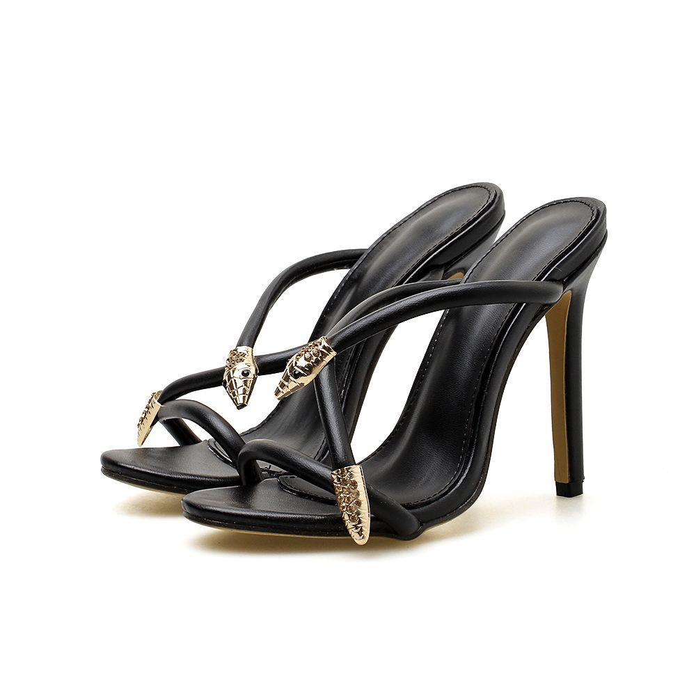90fa7cd39 Compre Sandálias Mulheres Sexy Slides Verão Strass Decoração Cobra De Metal  De Salto Alto Bombas Partido Preto Sapatos Sandálias Peep Toe Flip Flop De  ...