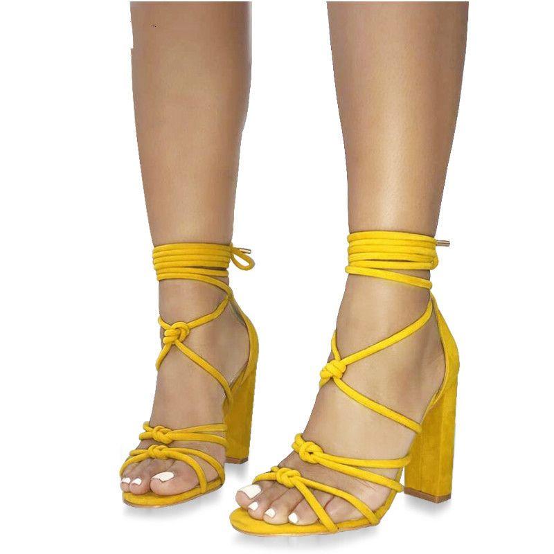 c21e9e8ff Compre Moda Feminina Sandálias Bandagem Tira No Tornozelo Cross Amarrado  Super High Heels Senhora Lace Up Bombas Sandálias Sapatos Amarelo Preto De  Emmaj01, ...