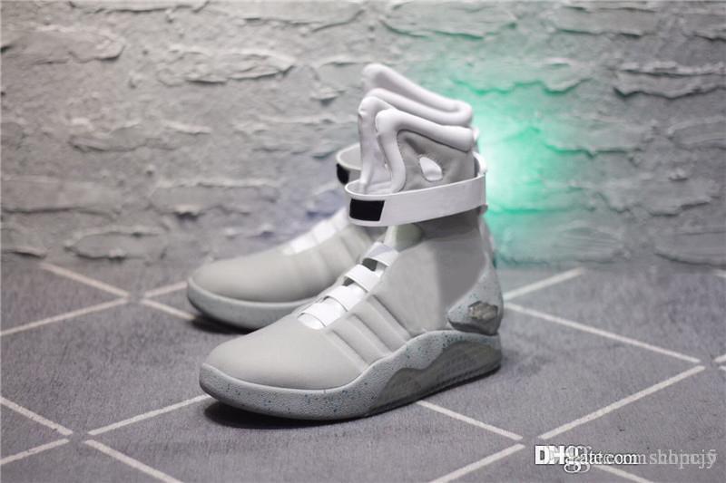 the best attitude f0094 b4693 2018 Air Mag Sneakers Marty McFly LED-Schuhe Zurück in die Zukunft  Leuchtende Schuhe Grau Rot Schwarz Leuchten im Dunkeln Mit Schuhen Box Top  Qualität