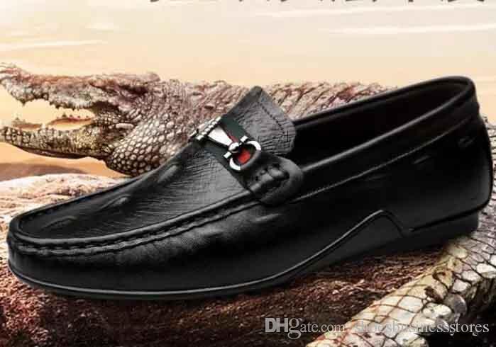 Compre 2018 Nuevos Zapatos Casuales De Piel De Cocodrilo Para Hombres  Zapatos De Gorro Blanco Versión Para Hombres Versión Coreana Tamaño Grande  Zapatos ... fc86c94543a
