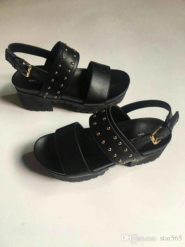 2019 Super brand designer sandals Gladiator sandals are made of vintage leather The female sandals Women's shoes GNB11