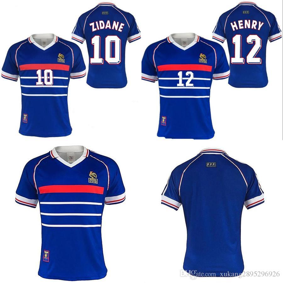 Compre FRANÇA ZIDANE HENRY MAILLOT DE PÉ Uniformes Camisas De Futebol  Camisa Tailândia Qualidade 1998 FRANÇA RETRO VINTAGE Maillots De Futebol De  ... 0cd0b4633d4