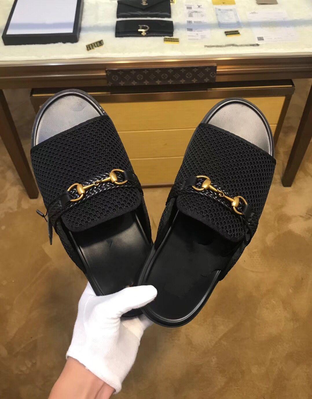 72fcc11348f48 Acheter 2019 Nouveau De Luxe Designer Pantoufles En Cuir Véritable Rue De  La Mode Hommes Sandales Chaussure Maison Intérieur Tongs Casual Marque  Chaussures ...