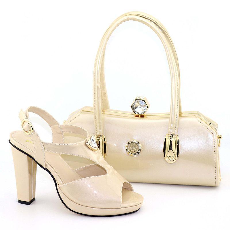 size 40 85076 70951 2019 Set di scarpe e borse beige Set di scarpe italiane con borse abbinate  Set decorato con scarpe da sposa africane strass