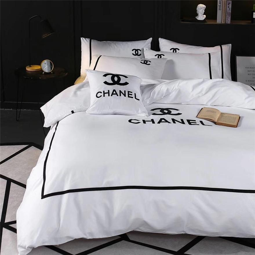 White Queen King Size Bedding Sets New Fashion Brand All Cotton Bedding Suit Embroidery Design X Letter Bed Cover Suit