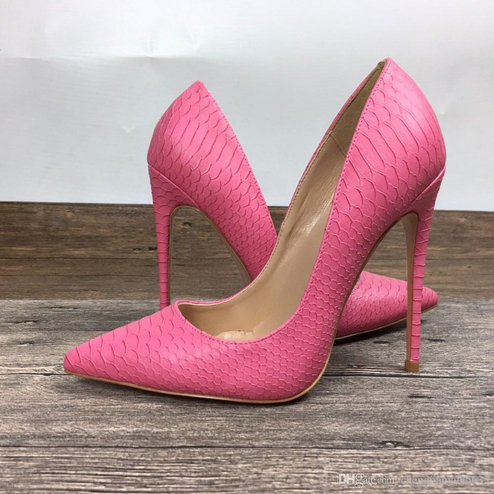 f6ae6a9638a22 Compre Sexy2019 Pop Woman Women Fuchsia Python Snake Leather Poined Toes  Boda Tacones De Aguja Zapatos A  93.28 Del Dresshoes