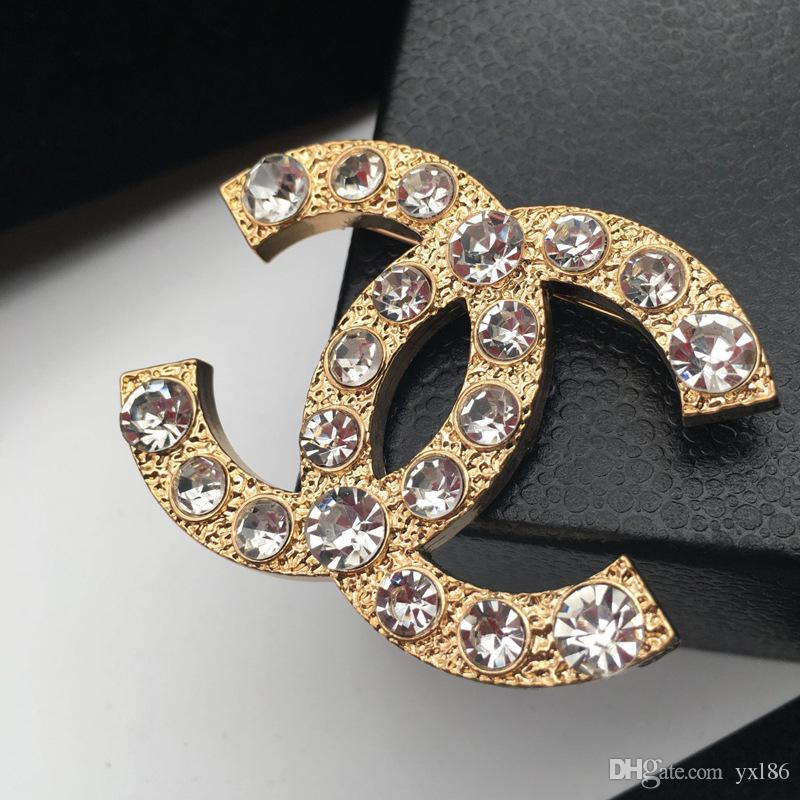2019 Famous Brooches Hot Crystal Rhinestone Letter Brooch Pin Hollow  Corsage Brooches Women Fashion Jewelry Costume Decoration 005