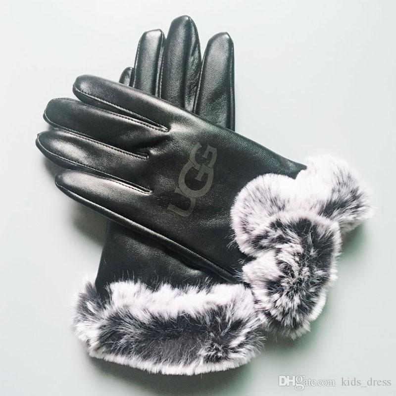 Winter Leather Gloves Fashion Women Girll Brand Gloves Winter Cashmere Mittens with Fur Ball Outdoor Sport Warm Finger Glove GGA2550